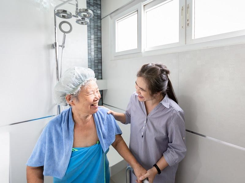 入浴介助とはどんな仕事?目的や時間短縮方法を詳しく解説!の画像