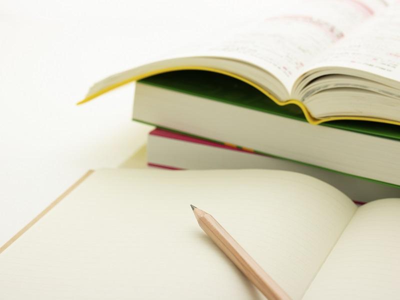 非公開: ケアマネージャーになるための勉強法!おすすめテキストや通信講座