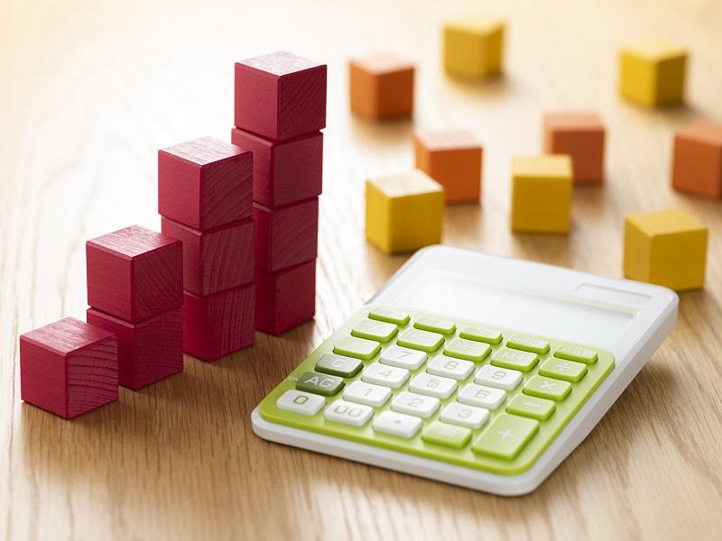 ブロックと計算機の画像