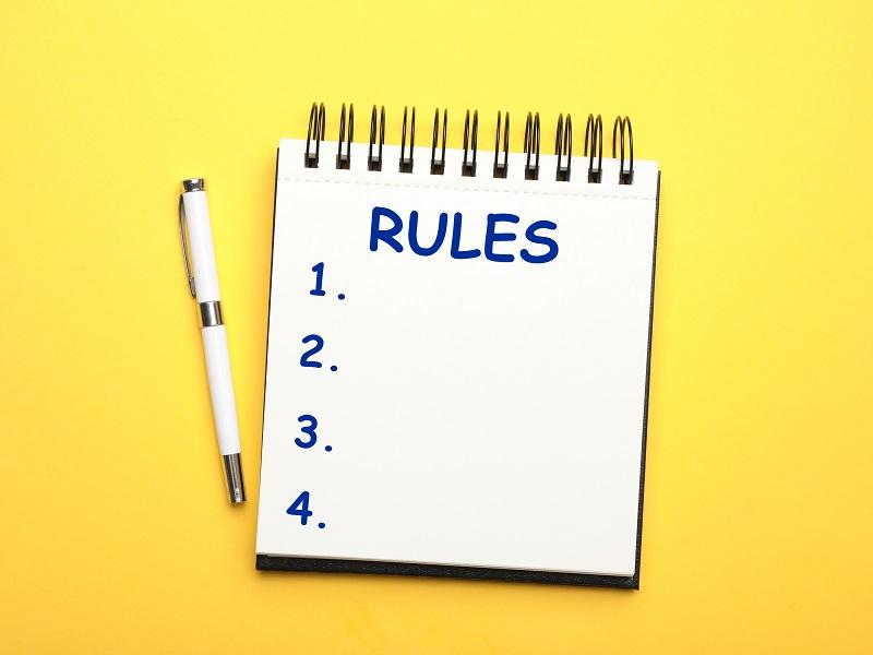 ルールと書かれたメモ帳の画像