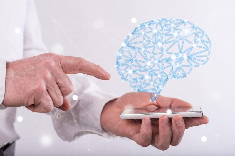 脳とスマホイメージ