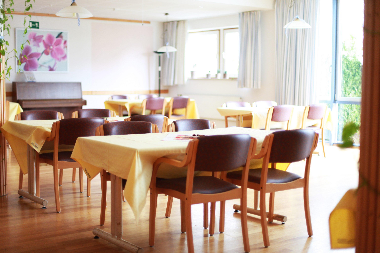 ケアハウスの食堂のイメージ